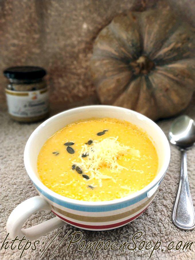 Pompoensoep maken met kaas en mosterd